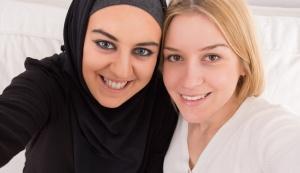 Muslim and Jewish women